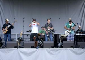 Fresh Catch brings an island feel to the music festival. Photo by Sabrina Martinez